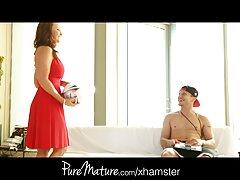 La masturbación une casero mexicana xxx su cuerpo con cinta adhesiva.