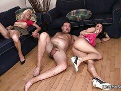 Un poco de sexo trios mexicanos xxx para un aficionado.